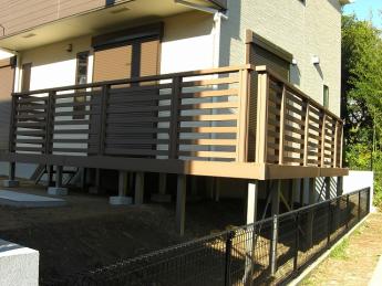 デッキ 株式会社ミキヨシ住宅建材 神奈川・相模原エリアでの「外構・エクステリア」を自信を持って施工いたします。_10
