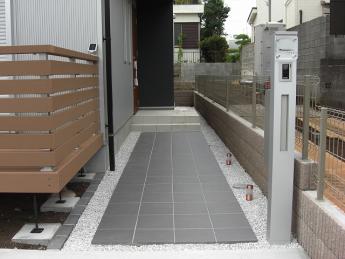 アプローチ 神奈川・相模原エリアでの「外構・エクステリア」を自信を持って施工いたします。_3